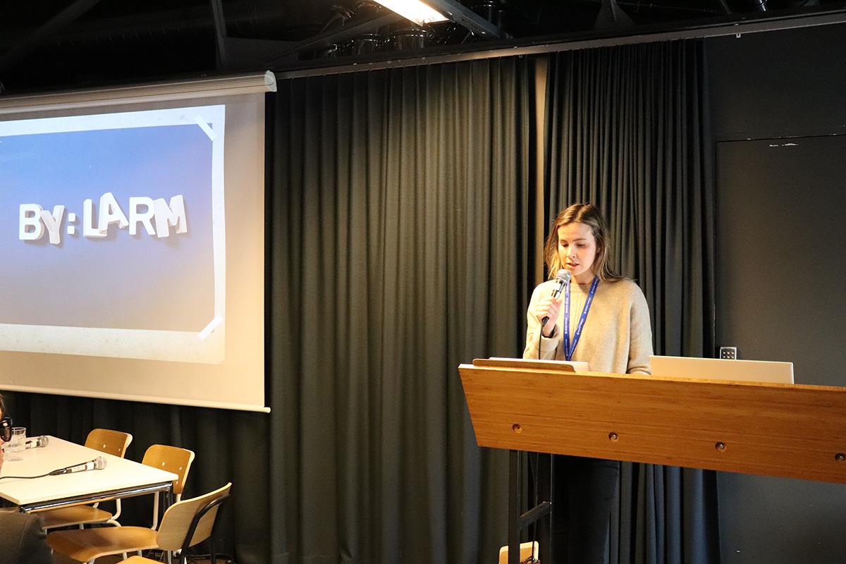 Francisca Aas, juridisk konsulent for NOPA, presenterte uttalelsen om verdigapet. Foto: Anders Nielsen